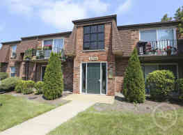 Regency Court Apartments - Orchard Park