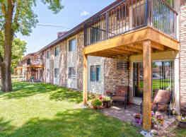 Oak Grove Apartments - Coon Rapids