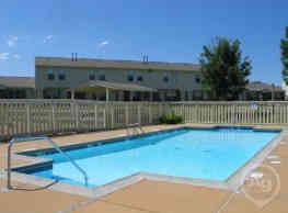 Country Place Apartments - Hebron