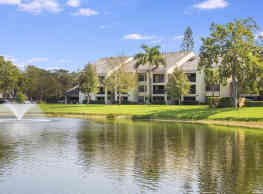 Village Crossing Apartments - West Palm Beach