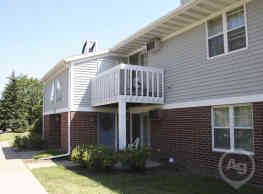 Foxcroft Apartments - Green Bay