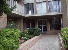 St. Regis Apartments - Philadelphia