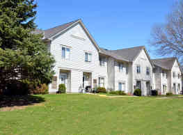 Park Avenue Apartments & Townhomes - White Bear Lake