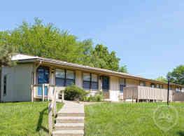 Cedarwood Apartment Homes - Lexington
