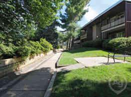 Wheaton House Apartments - Wheaton