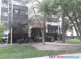 Available immediately! 2 bd/2 ba in great location - Denver
