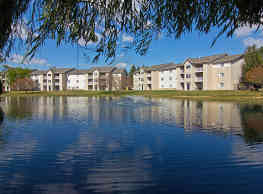The Lakes at 8201 - Merrillville