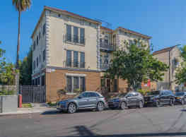Deighton Apartments - Los Angeles