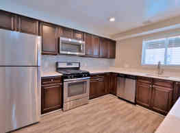 Lighthouse At Twin Lakes Apartment Homes - Beltsville