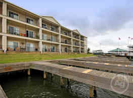 Southern Empress Lakeside Condominiums - Willis