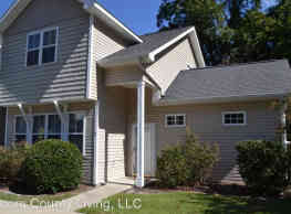 255 E Delaware Ave - Southern Pines