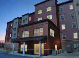Lafayette Square Apartments - Davenport