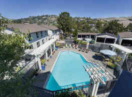 65 Red Hill Cir - Tiburon