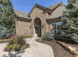 Parkfield Apartment Homes - Denver