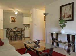 Mayfair Apartment Homes - Milwaukee