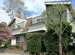Chatham Oak Apartments - Studio City