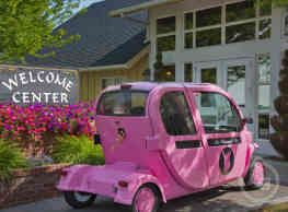 The Whimsical Pig Apartments - Spokane Valley