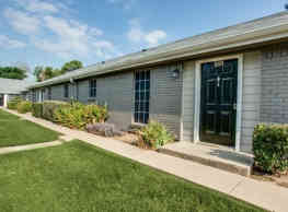 Courtyards On Glenview - North Richland Hills