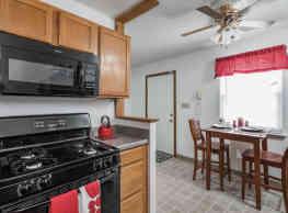 Sassafras Hill Apartments - Bloomington