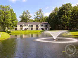 Twin Lakes Apartments - Clifton Park