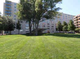1020 North Quincy Apartments - Arlington