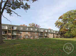 Scenictree Apartment Homes - Palos Hills