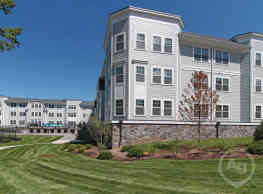 Colonial Pointe At Franklin Lakes - Franklin Lakes