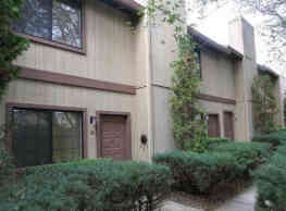 Almond Grove Apartments - Fair Oaks