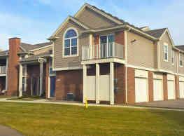 Ashford Apartments w/ Garages - Shelby Township