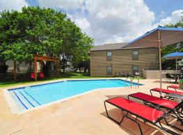 Country Villa Apartments - Castroville