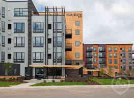 BlueStone Flats - Duluth