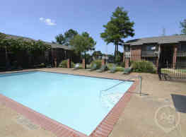 Hickory Pointe Apartments - Memphis