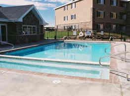 Deer Creek Village Apartments - Providence