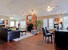 Crestbrook Apartments - Burleson