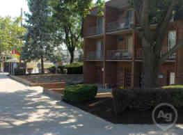 Riverchase Apartments - Newport