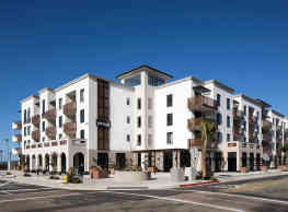 Pierside Apartments - Oceanside