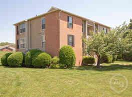Hampton Point Apartments - Silver Spring