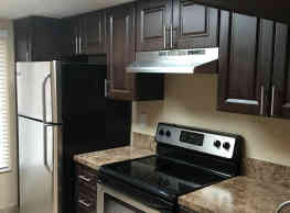 Studio Apartment in Prime Plantation Location! - Plantation
