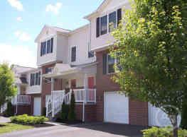 The Homes Of Huston Hills - Cambridge