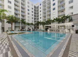 Pearl Dadeland - Miami