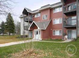 Woodridge Apartments - Northfield