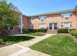 Riverview Manor Apartments - Highland Park