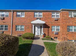 Janwood Apartments - Downingtown