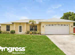1726 SW 22nd St - Cape Coral