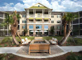WaterWalk at Shelter Cove Towne Centre - Hilton Head