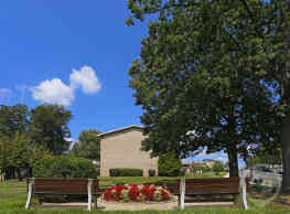 Woodcrest Apartments - Glen Burnie