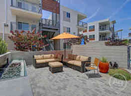 Citron Apartment Homes - Ventura