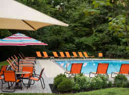 Westover Club Apartments - Norristown