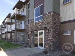 West Ridge Apartments - Dickinson