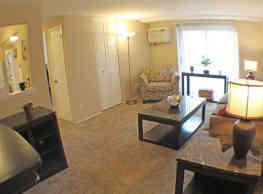 Rockside Place Apartments - Garfield Heights